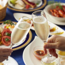 土日祝日ランチ限定|スパークリングワイン飲み放題 2,300円(税・サ込)|デート・会食