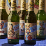 見た目も可愛らしい瓶ビールは、スウェーデンから直送の北欧ビール。