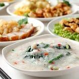 本場のシェフが腕を振るう♪創作香港料理をお愉しみください