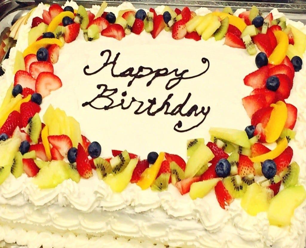 記念日のお祝いには、バースデーコースでサプライズのお祝いを♪