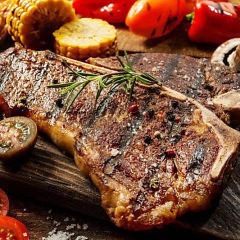 肉料理とチーズ創作アラカルト料理の数々!