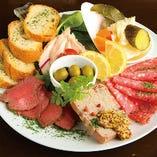 地元に特化した食材や新鮮な近江野菜など、肉以外のお料理も充実