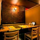 【2階居酒屋フロア】気軽にご利用いただけるテーブル席