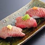肉寿司は肉屋でお召し上がり下さい。