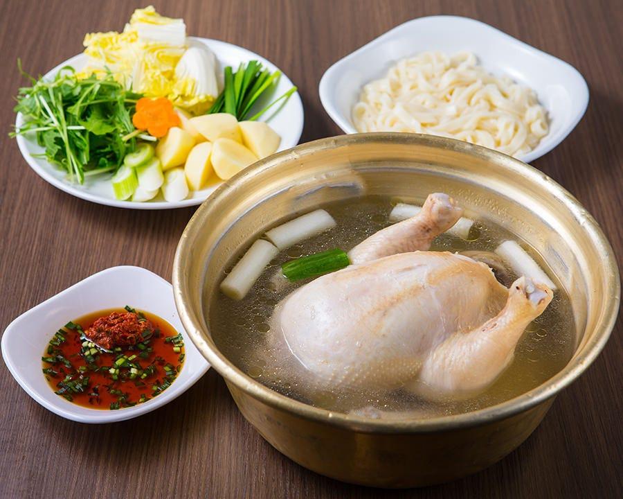 鶏の旨み溢れる「タッカンマリ」
