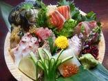 名物『北海大漁盛り』はじめ、新鮮魚介はお任せを。