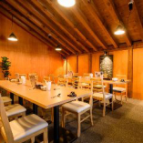 【2階】テーブル席(~4名様×6卓)