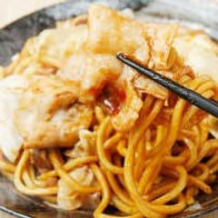自家製の甘辛ソースに絡むもっちり太麺の焼きそばは間違いなし!