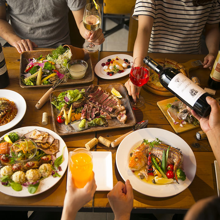 肉好きな仲間が集まる飲み会は、肉GARAGEの宴会コースがぴったり