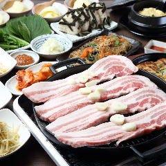 韓国料理×サムギョプサル なべよし 心斎橋