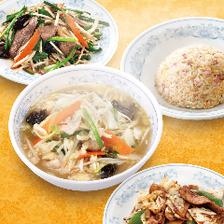 麺類や一品料理も豊富です。