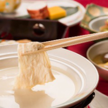 湯葉豆冨を中心とした会席料理