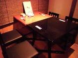 落ち着きのあるテーブル席は10名様以上で貸し切りも…