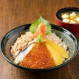 【五色丼 1,490円】異なる味覚と食感、北国の幸が口に広がる
