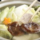 【阿鳥の鶏鍋】 朝挽き鶏を使って家庭ではできない味わいに!