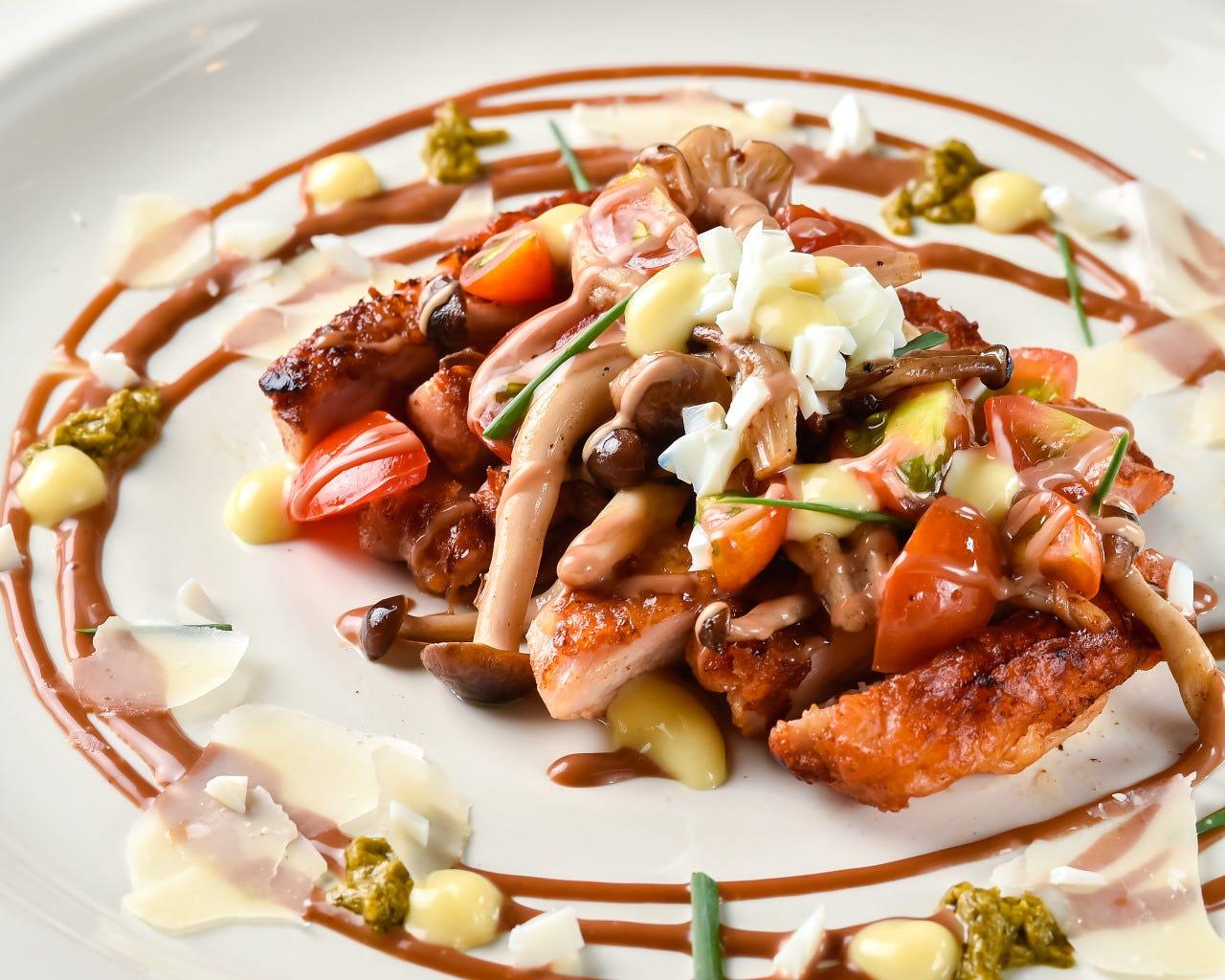 野菜たっぷり&シェフ特製ハニーバルサミコのチキンステーキ