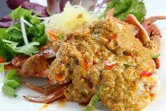 蟹のフワフワ卵のカレー炒め(プー パット ポン カリー)