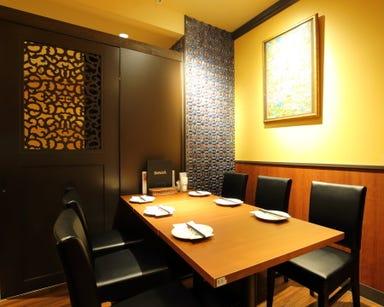 肉&ワイン アジアンダイニングバル SAPANA 水道橋駅西口店 店内の画像