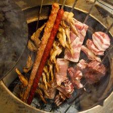 自家製窯で焼くお肉料理の数々!
