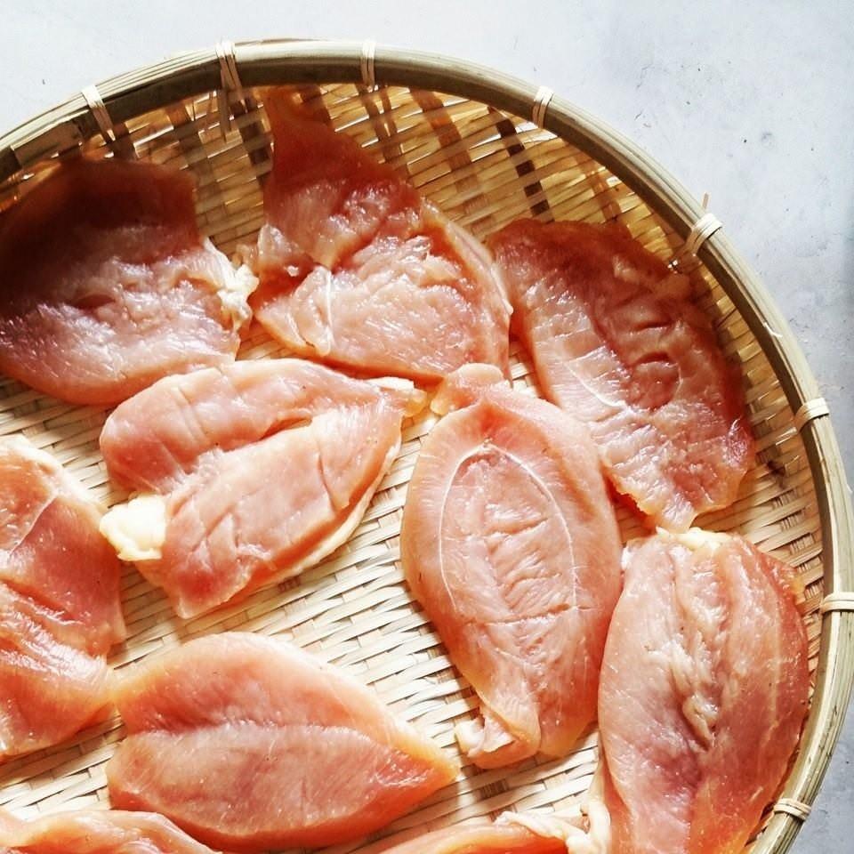 桜島鶏の一夜干し 素材の味が ぎゅっと詰まっています。