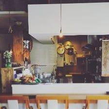 厨房が見えるオープンキッチン