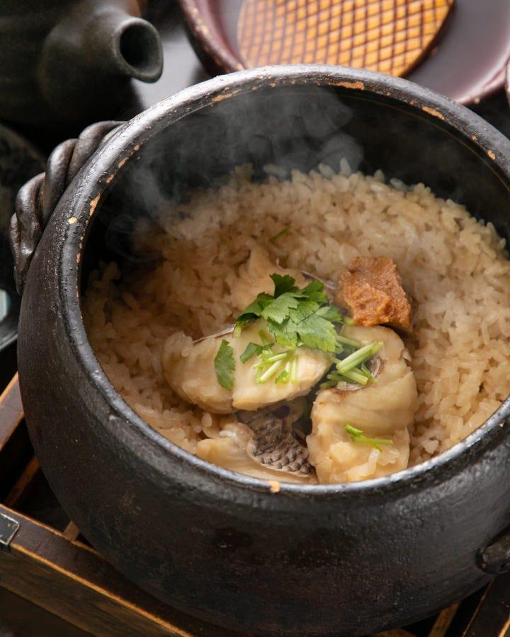 真鯛と香味野菜の土鍋ご飯。