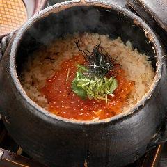 いくらとズワイ蟹の土鍋ご飯