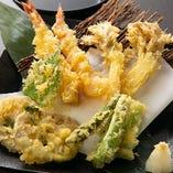 海老と四季野菜の天婦羅盛り合わせ