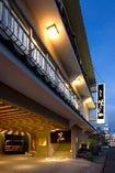 中央駅・天文館から車で約5分、加治屋町電停から徒歩約10分