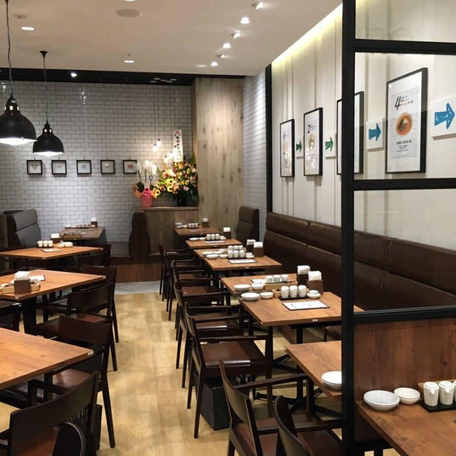 カジュアルな店内で台湾料理を!