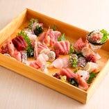 新鮮&旬の魚介類を刺身や寿司、炙り焼きなどの調理法でご提供
