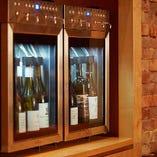 抜栓後の鮮度を保つワインセーバーでグラスワインも豊富にご用意