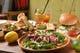 ディナーは雰囲気変わってお酒とおつまみも楽しめるバルスタイル