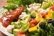 カラフル野菜がたっぷり!メキシカンコブサラダ。