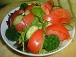 自家菜園 朝採れ野菜サラダ