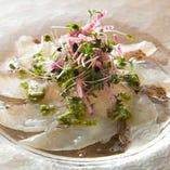 真鯛カルパッチョ 自家製バジルソース