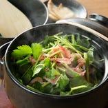 三つ葉と桜えびの土鍋炊き込みご飯