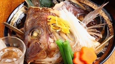 入荷があればぜひ!濃厚な旨みの伊豆直送真鯛「カブト煮」