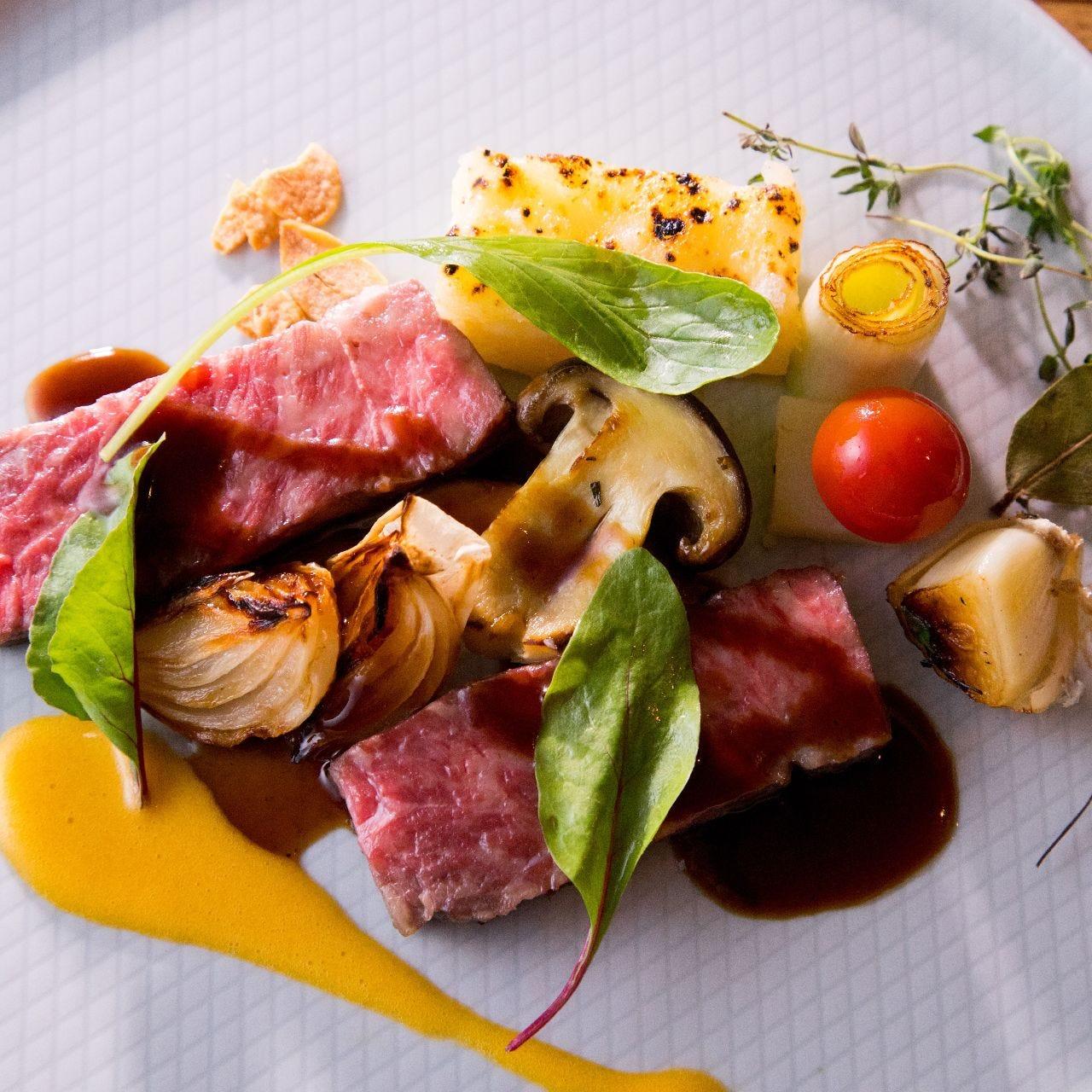 星付きレストラン出身シェフ、スタッフが繰り出す料理の数々。
