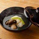 その季節に美味しい食材を使って、丁寧にお料理を仕立てます。