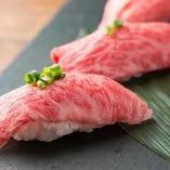 黒毛和牛や新鮮魚介を使ったこだわり料理をご用意。