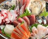 ■刺身盛り■毎日新鮮なお魚を山盛りで。