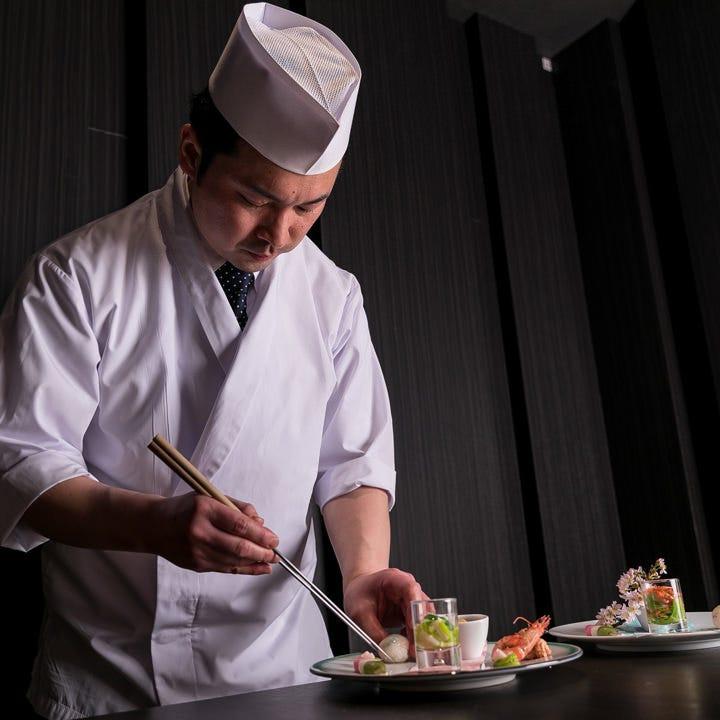 小鉢2種・サラダ・御飯・デザート付ランチ御膳は3,000円~