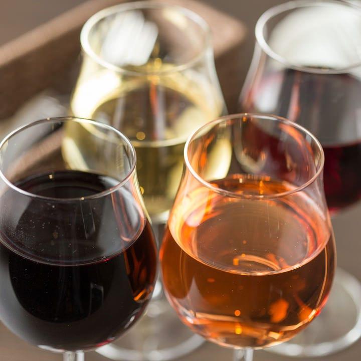 ワイン2時間飲み放題777円(税抜)