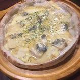たっぷりチーズのクワトロフォルマッジ