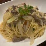 お肉と玉ねぎのペペロンチーノ