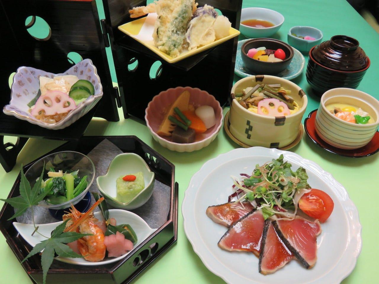 初夏の膳(葵あおい)1,880円(税込)