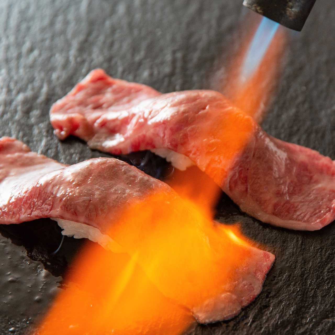 肉寿司が+550円で食べ放題♪