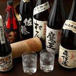 《多彩なラインナップ》 ときにはプレミアムな焼酎や日本酒も!