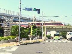 墨田区役所前交差点がございます